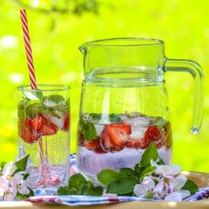 Strawberry Mint Lemonade Witch Quiz 30x300